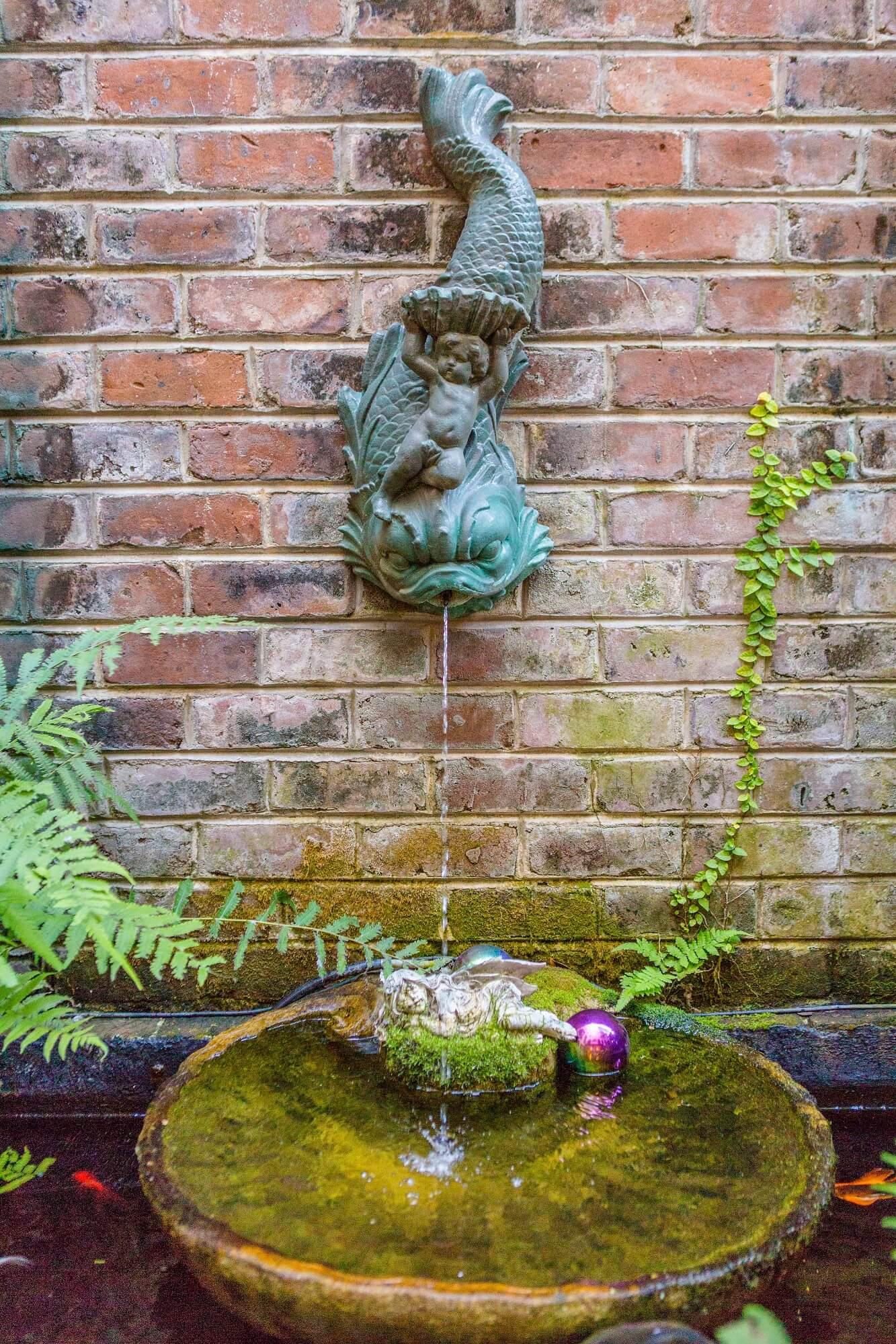 Christmas - Fish Fountain