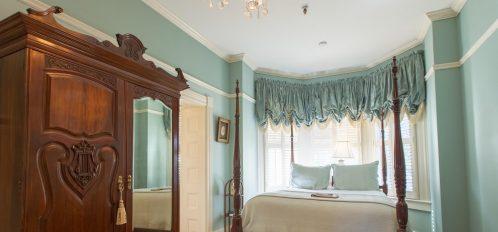 Scarlett's Retreat - Bed & Armoire