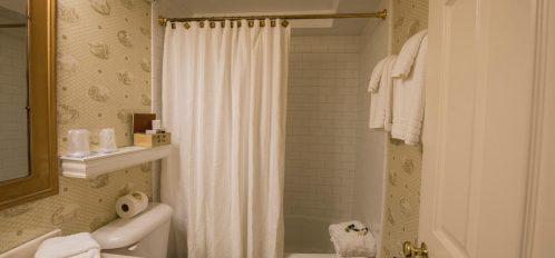 lowcountry room bathroom
