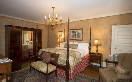 Oglethorpe State - Full View of Bed